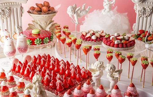 出典:http://www.hiltontokyo.jp/plans/restaurants/marble_lounge/2039